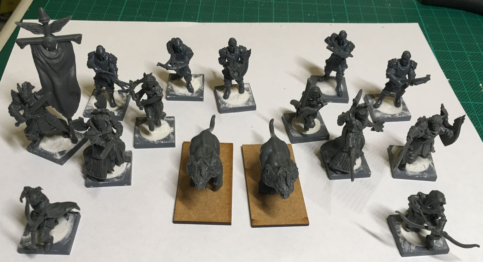 Assembling Kings of War Vanguard Basileans Warband Set 1